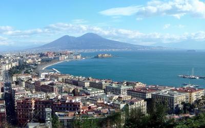 Leggi Napoli e poi…